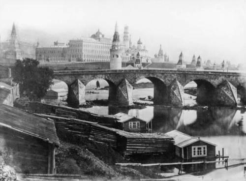 Москва 1857 Кремль и старый Большой Каменный мост
